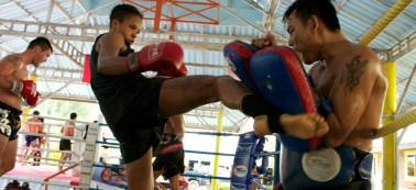 belt_holder_lumpinee_record_holder_lang